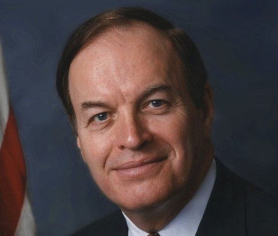 Richard_shelby_official_portrait2