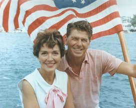 Ronald_reagan_and_nancy_reagan_aboard_a_boat_in_california_1964