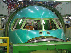 800px-boeing_767_nose_section