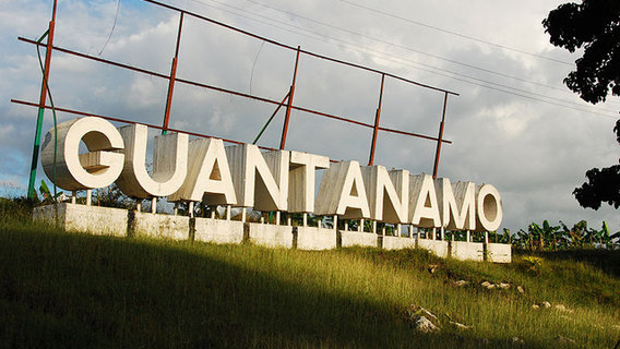 800px-welcome_to_guantanamo...