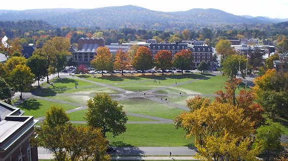 800px-dartmouth_college_campus_2007-10-20_34__crop_12