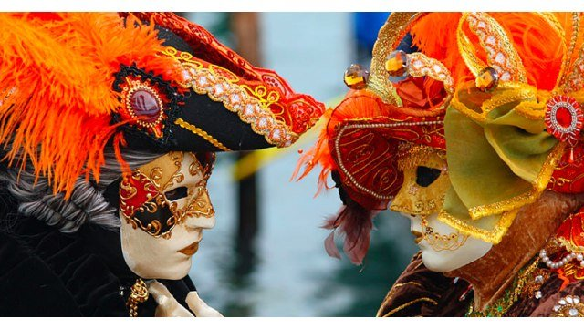 Start_-_file_venice_carnival_-_masked_lovers_2010_.jpg_-_wikimedia_commons