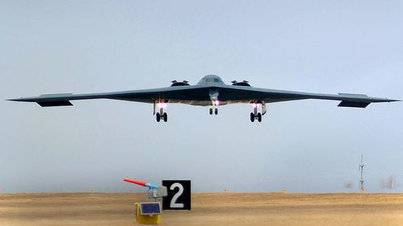 800px-b-2_landing_after_bomb_run_over_libya
