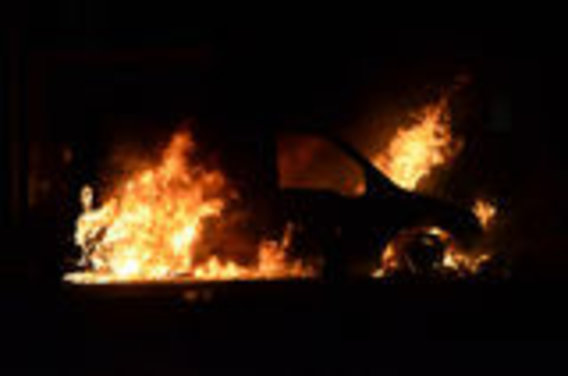 Burning_car