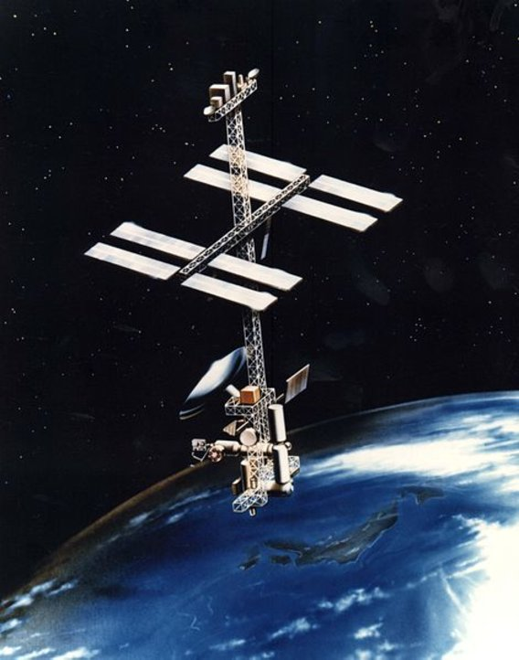 471px-power_tower_space_station_concept
