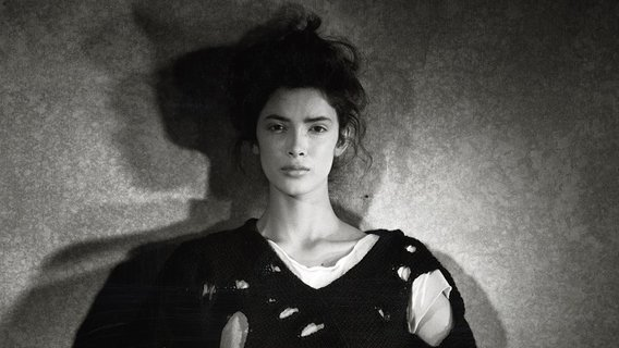 18.commedesgarconsbypeterlindbergh_1982-crop