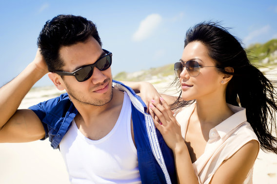 Couple_wearing_sunglasses