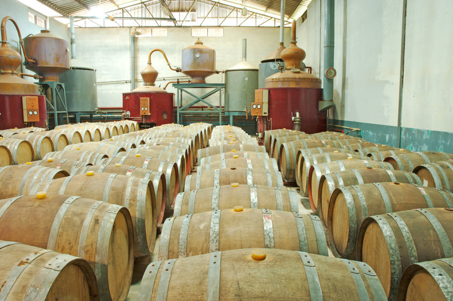 Whisky_distillery