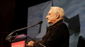 Gehry_speaking--crop