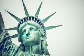 Statue_of_liberty_close_up