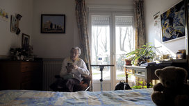 Woman_with_alzheimers
