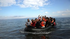 Floating_refugees