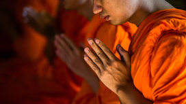 Monk_praying