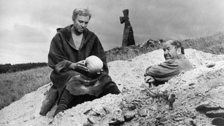 Shakespeare_400_hamlet_film_grave_scene--cover