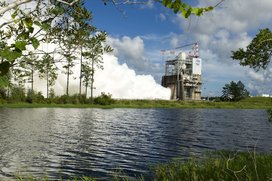 S16-081_ssc-20160818-s00653_rs-25_engine_test