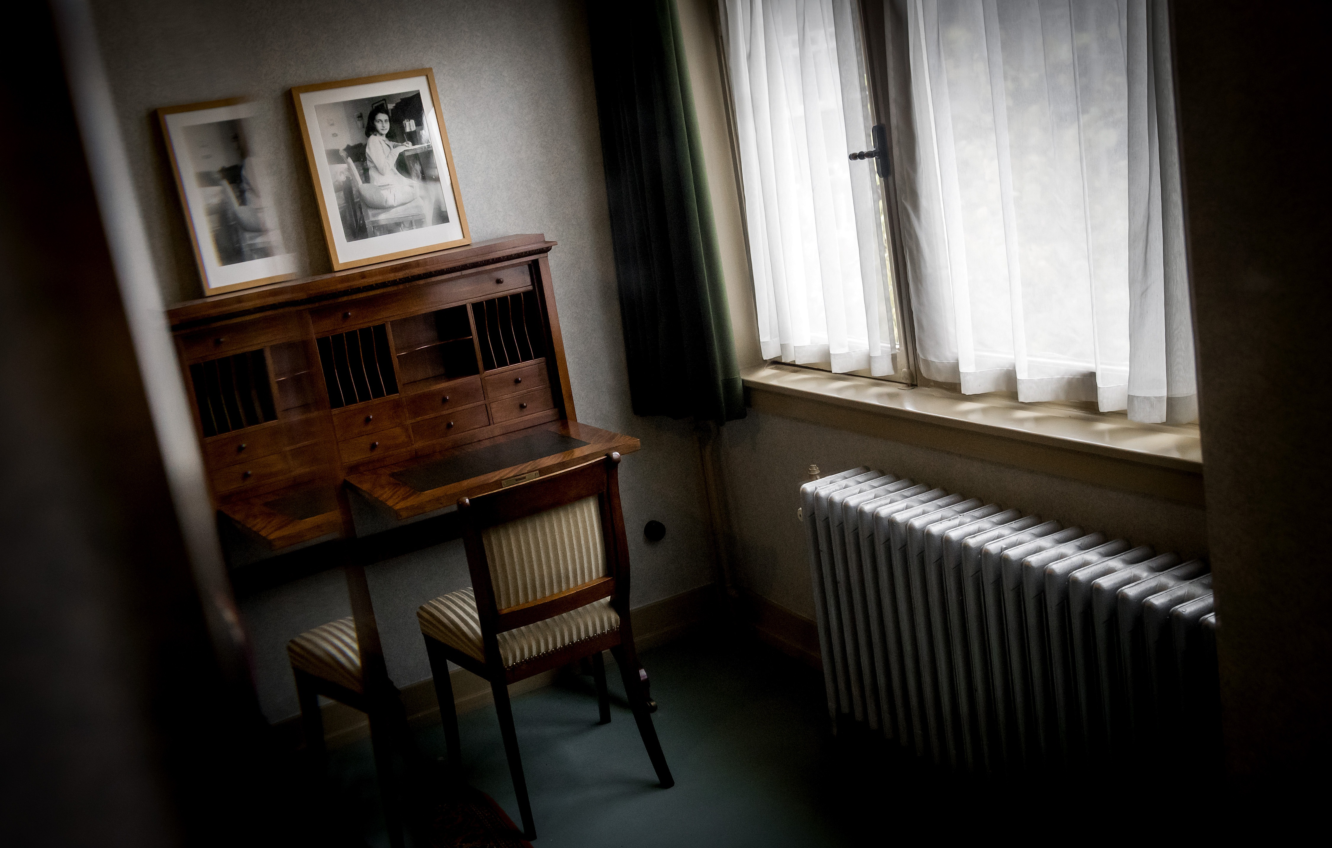 A picture taken on November 16, 2017 shows the room of Anne Frank in her former house in the Rivierenbuurt in Amsterdam. The Ymere housing association and the Anne Frank Foundation reached an agreement to sell the house to the foundation. / AFP PHOTO / ANP / Koen van Weel / Netherlands OUT (Photo credit should read KOEN VAN WEEL/AFP/Getty Images)